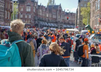 kings-day-crowds-amsterdam-