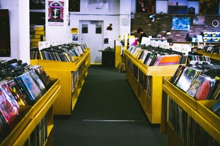 record-store-925553__340